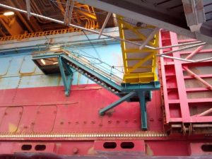 1 - Gangway at bridge between DONG Energy SIRI and MAERSK GIANT
